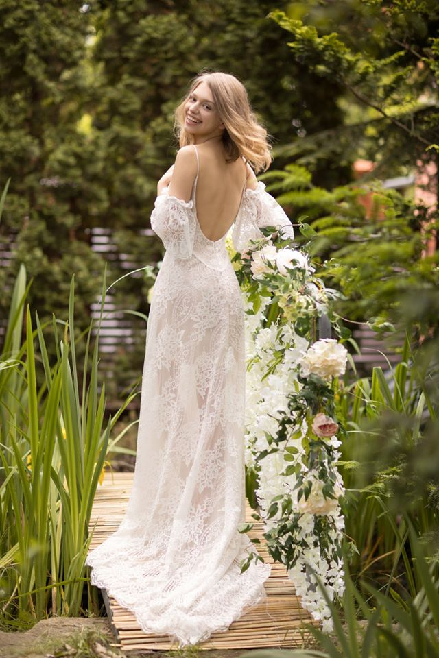mašle na svatebních šatech