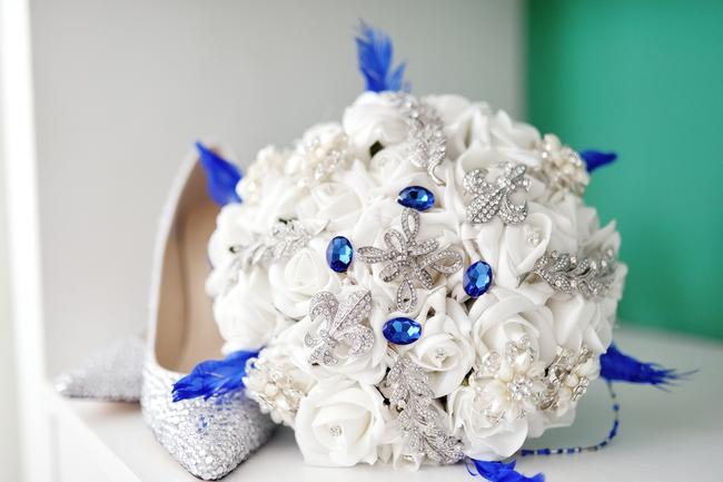 Svatební kytice z umělých květin