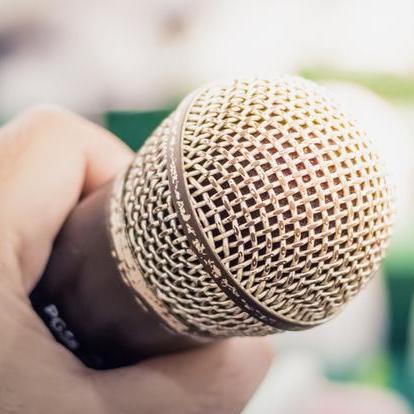 Kdo má pronést svatební proslov a jak se na něj připravit?