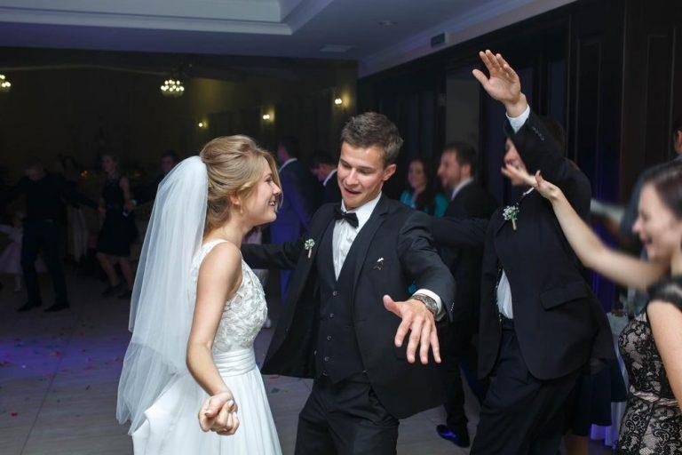 jak sestavit svatební playlist