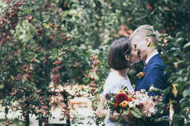 svatební focení, nevěsta s krátkými vlasy