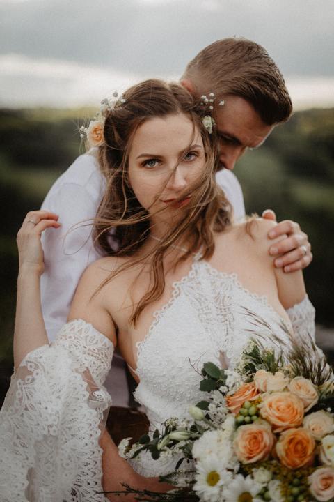 nevěsta v přírodním stylu