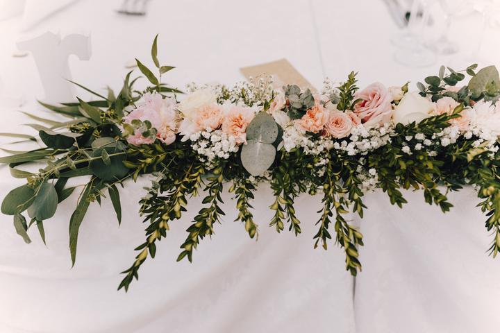 ikebana na svatební stul