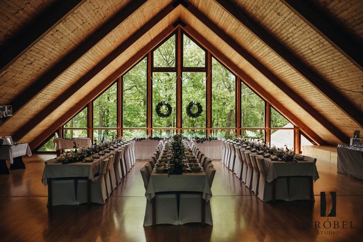 svatební výzdoba na Lovecké chatě