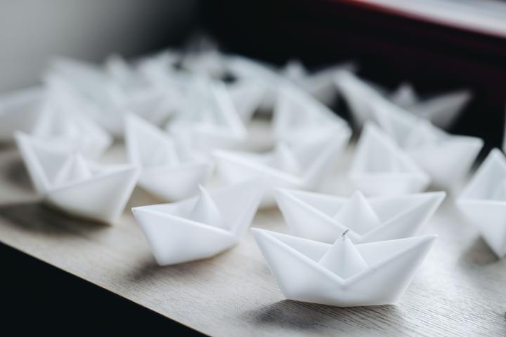 svíčky ve tvaru lodiček
