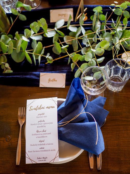 art deco svatební stolování