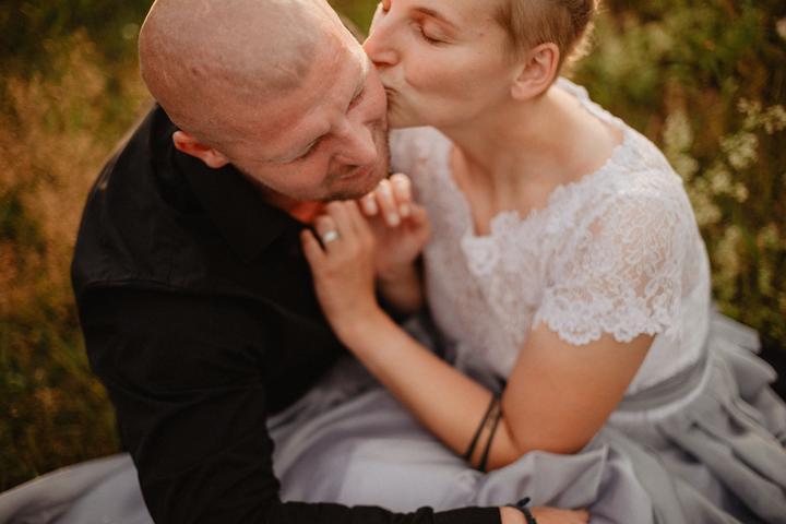 svatební focení na louce