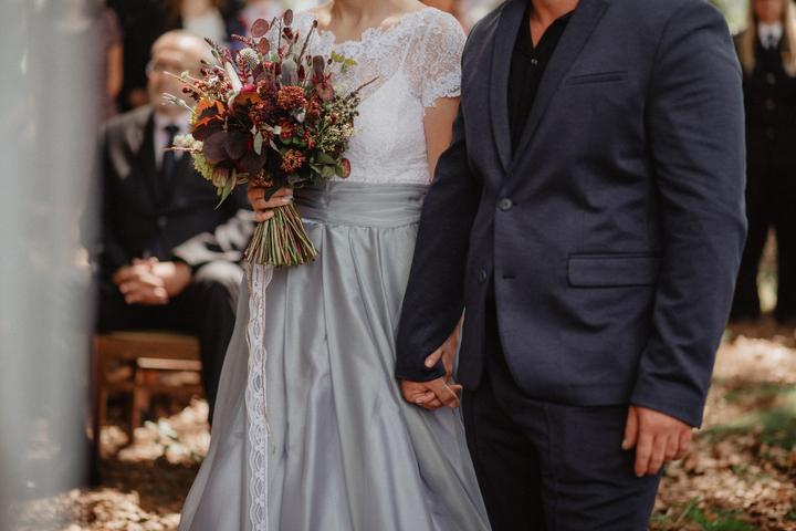 svatební kytice z loučních květin