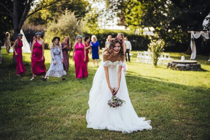 házení svatební kytice