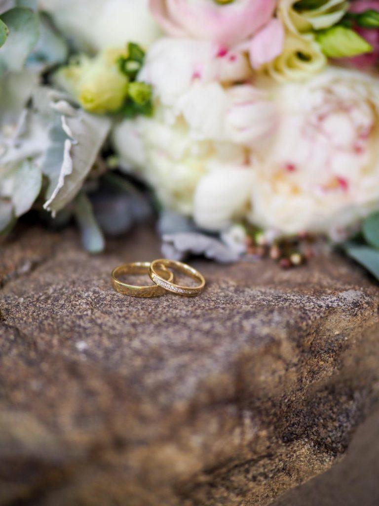 zlaté svatební prsteny