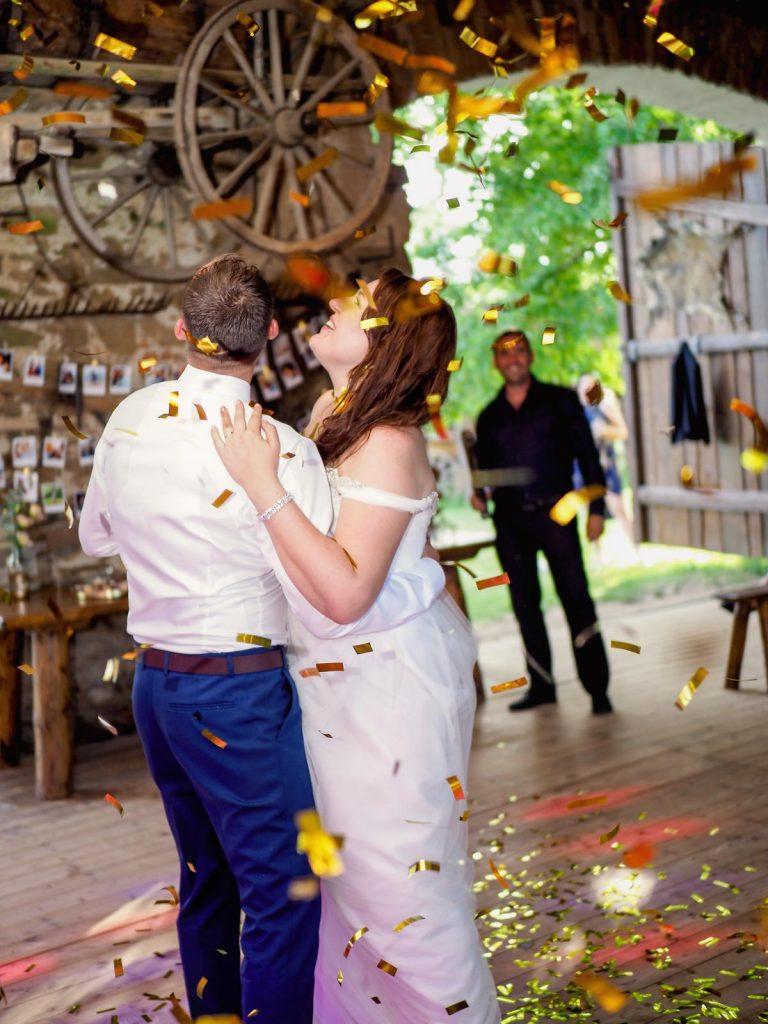 konfety na svatbě