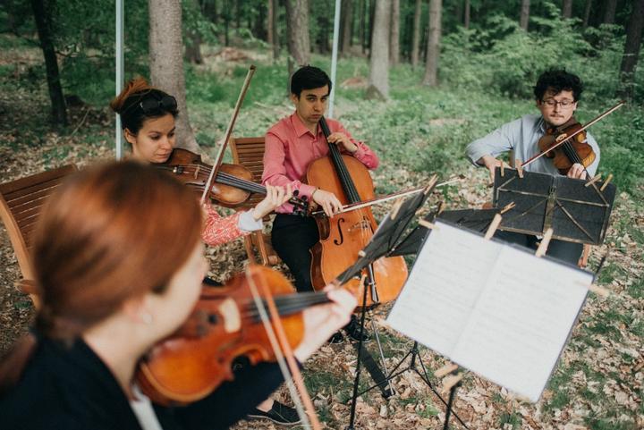 hudba na svatební obřad