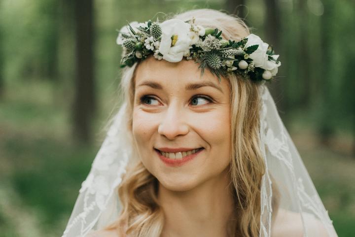 boho svatební účes a líčení