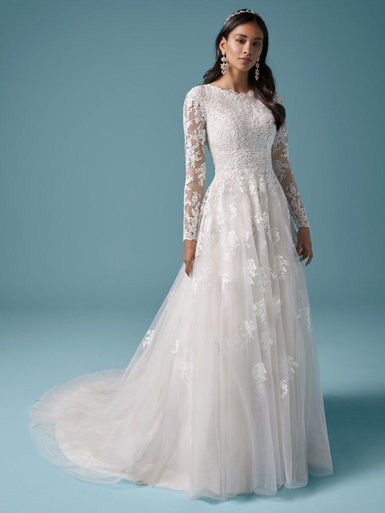 svatební šaty s dlouhými rukávy