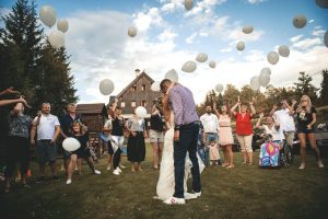 vypousteni balonku na svatbe