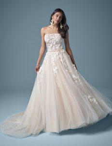svatební šaty s áčkovou sukní