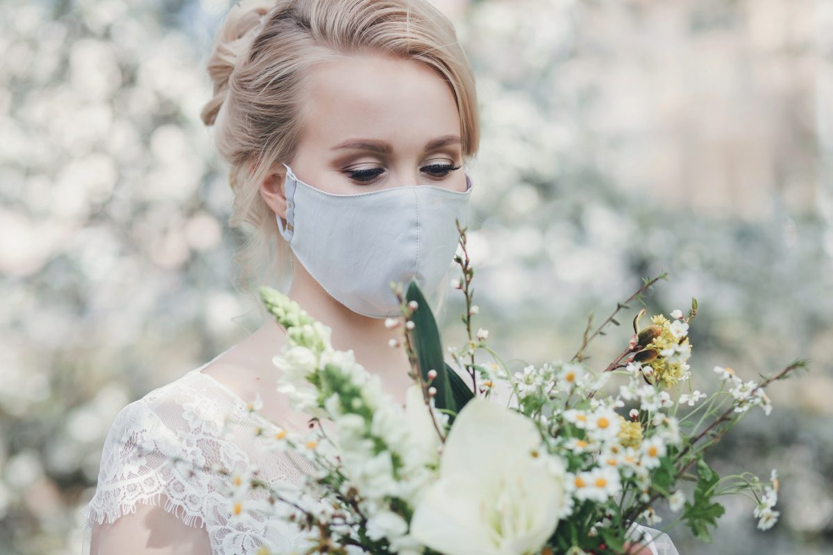 nevěsta v roušku, svatba v roce 2021
