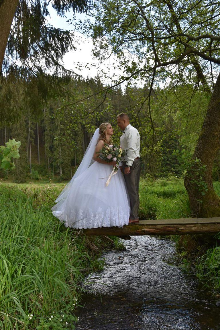 Romantická svatba v přírodním duchu