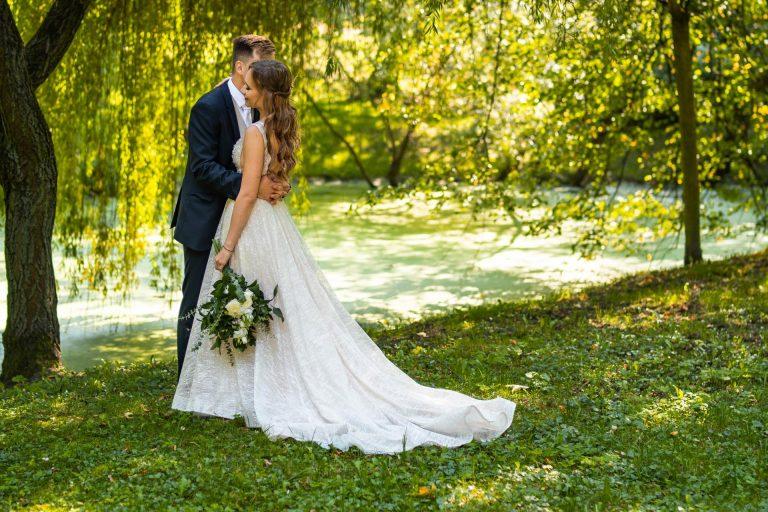romantické svatební focení v přírodě