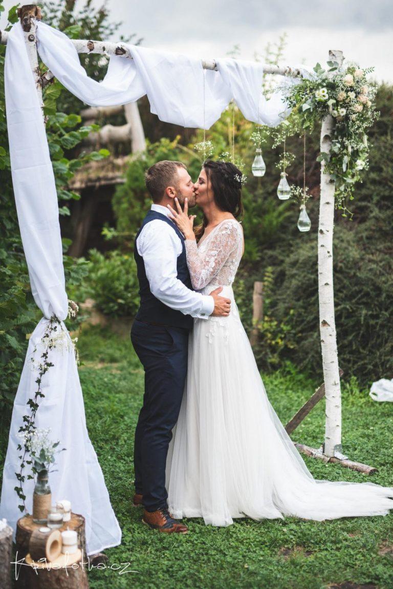 přírodní svatba